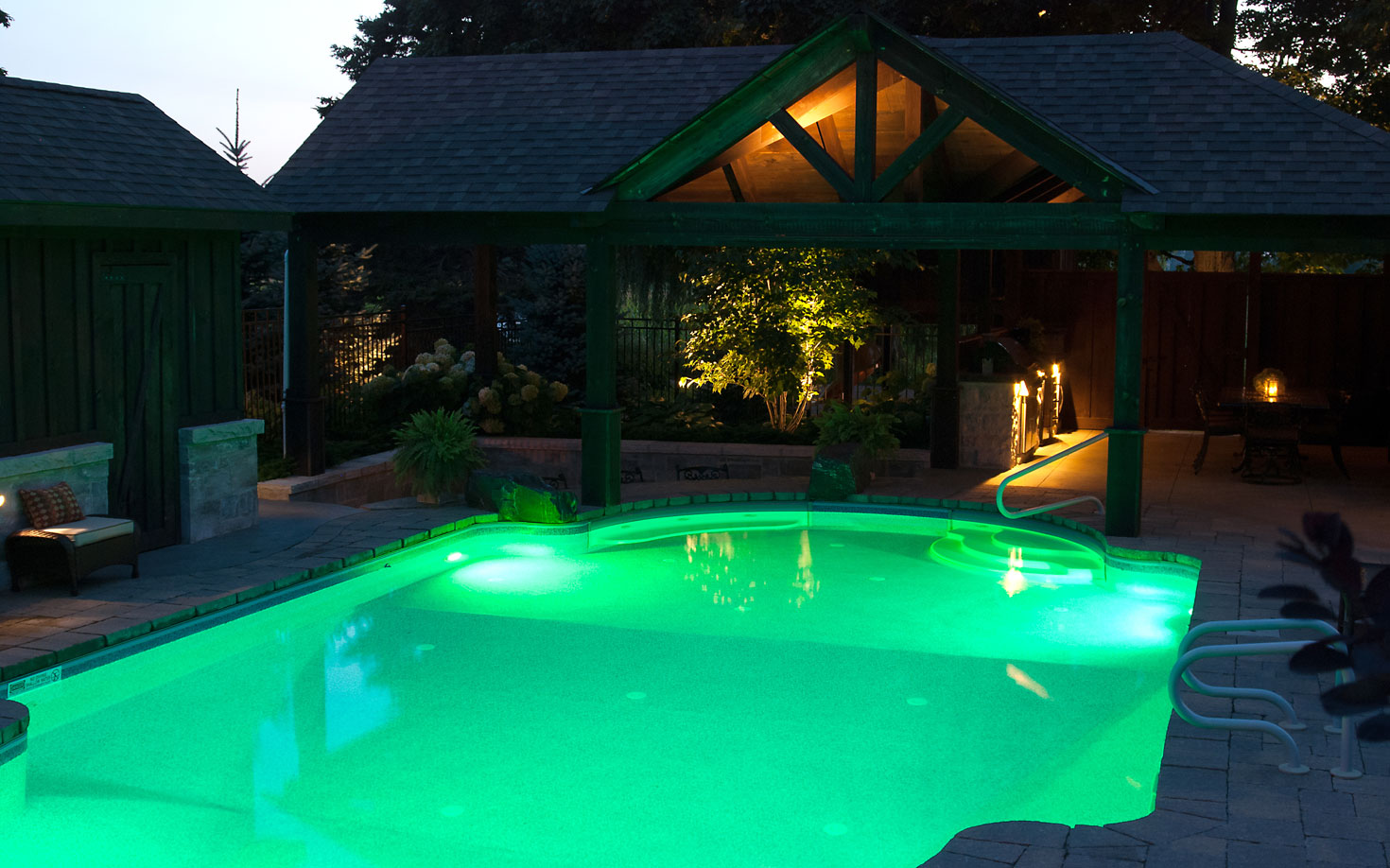 Pool landscaping company hamilton burlington pool for Pool design hamilton